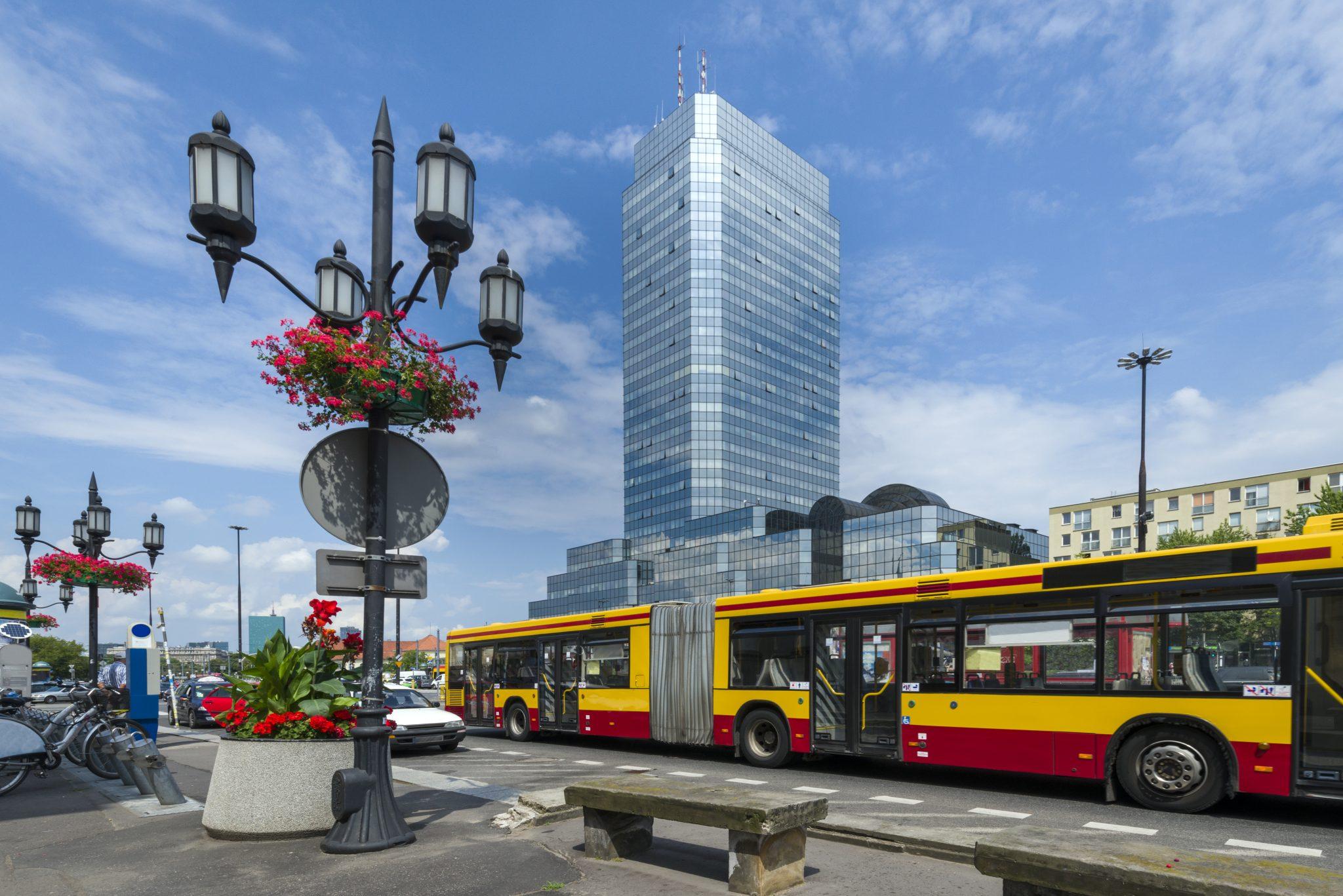 Wypadek w autobusie, tramwaju, metrze – odszkodowanie Warszawa